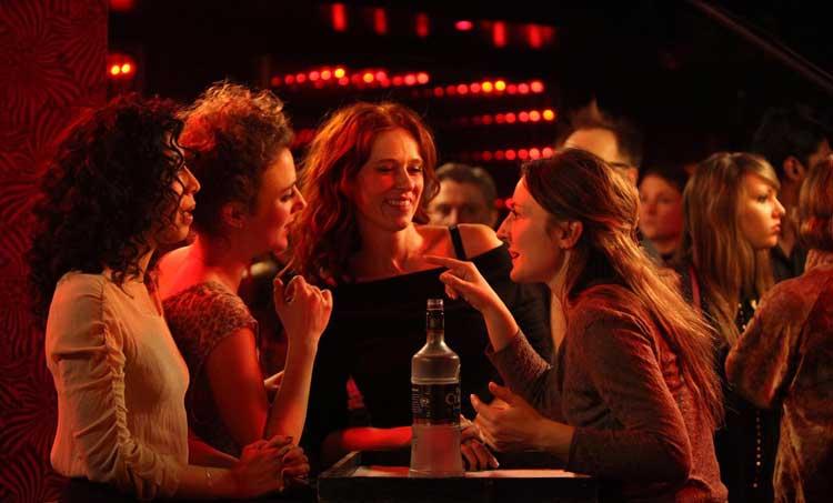 2. Mademoiselle Rêve – Un Bar à Vin pour les Plus de 40 ans