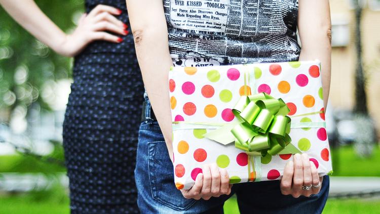 Idée Cadeau Pour Femme 40 Ans.Des Idées De Cadeaux Pour Une Femme De 40 Ans Les Bridgets