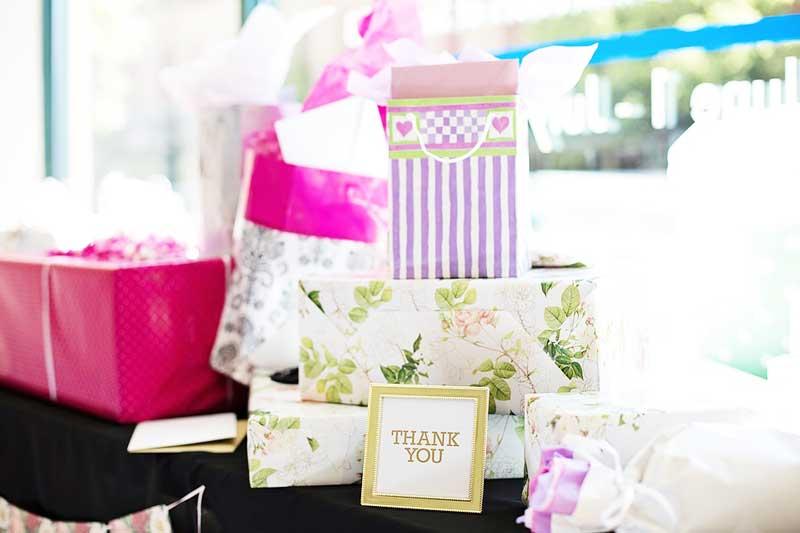 Combien Donner à Un Cadeau De Mariage Les Bridgets